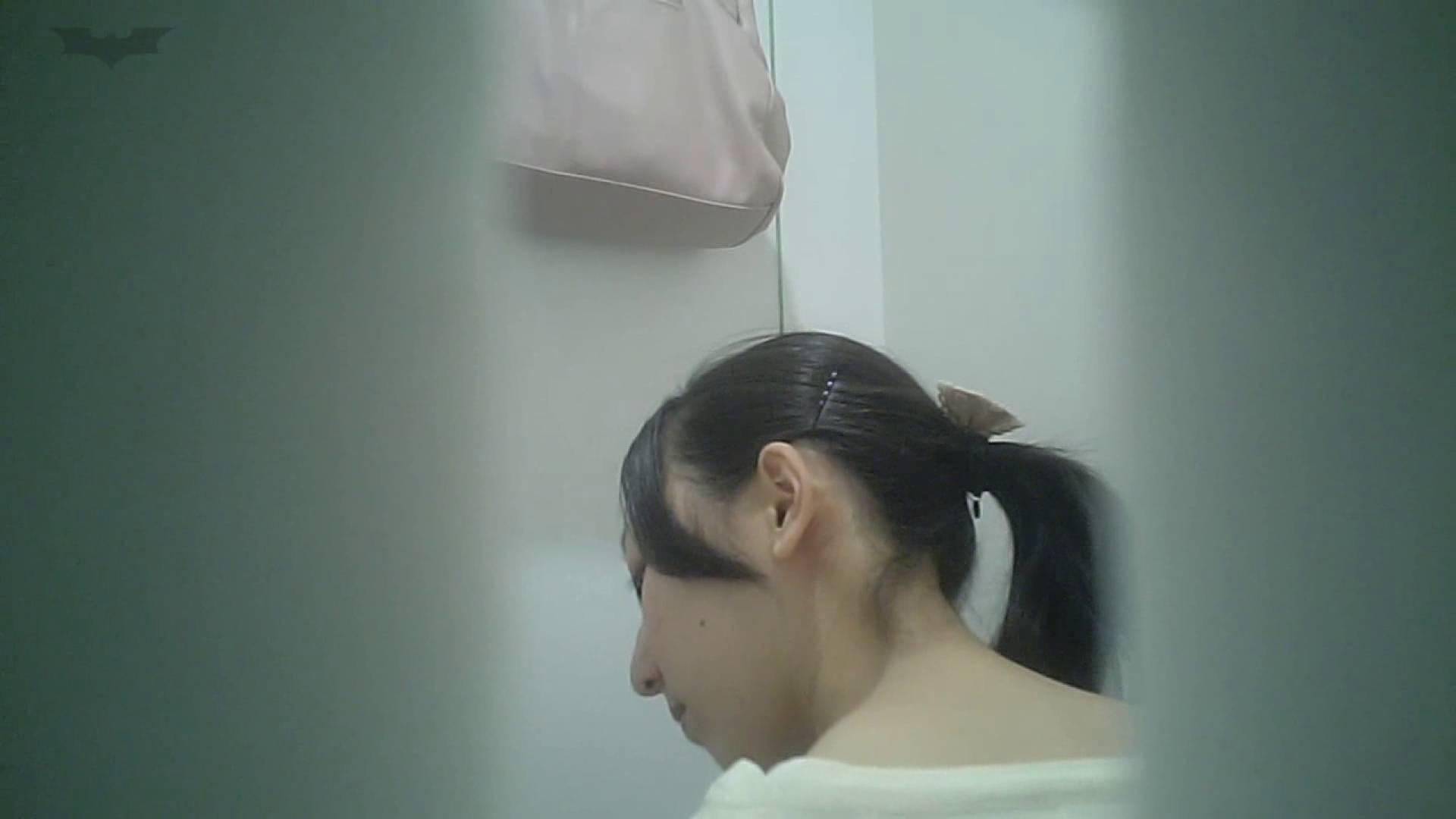 無修正おまんこ動画|有名大学女性洗面所 vol.40 ??おまじない的な動きをする子がいます。|怪盗ジョーカー