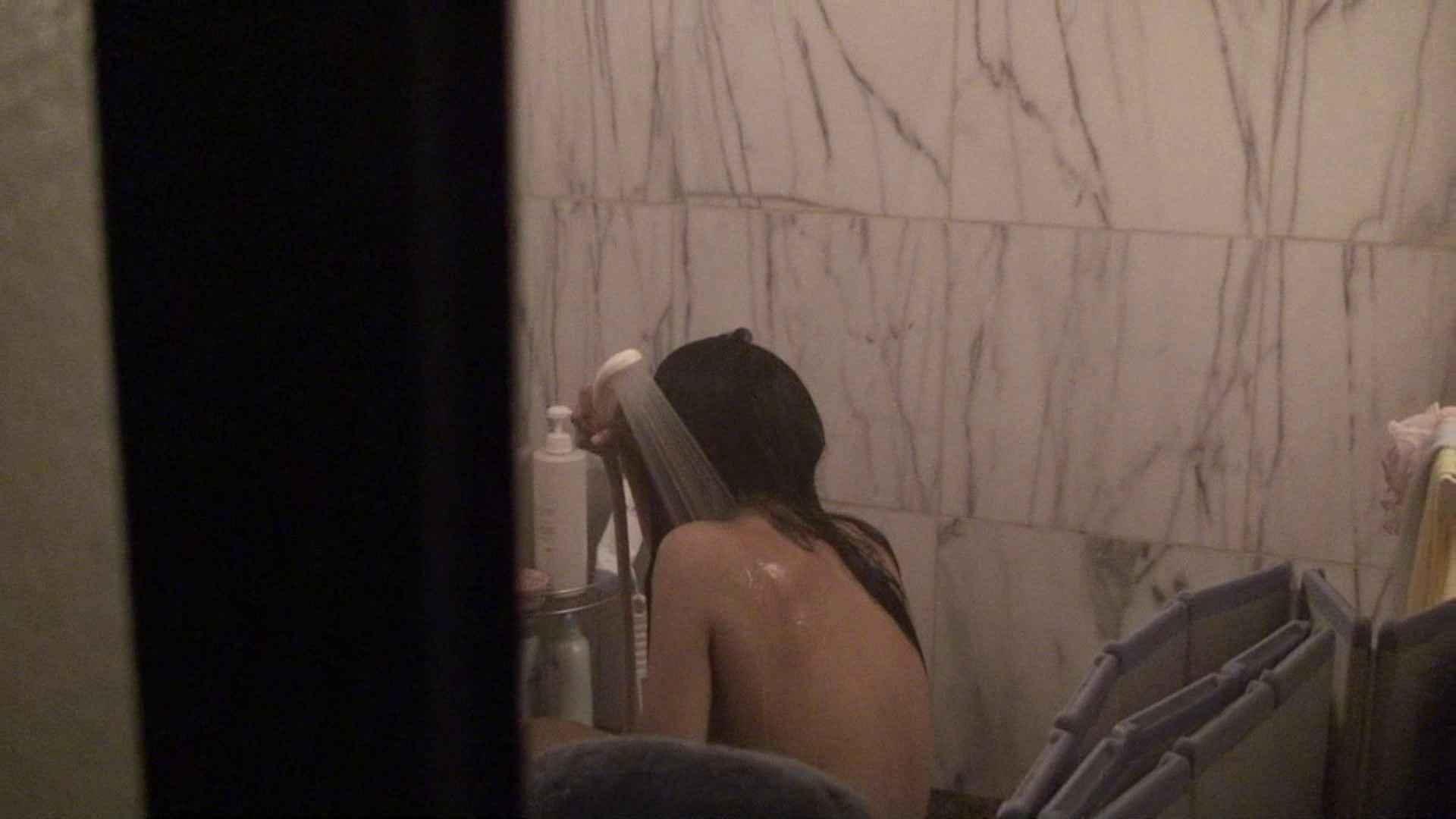 無修正おまんこ動画|vol.03歌いながらつるつるのおっぱいを洗い流す彼女!近すぎてバレちゃた!?|怪盗ジョーカー