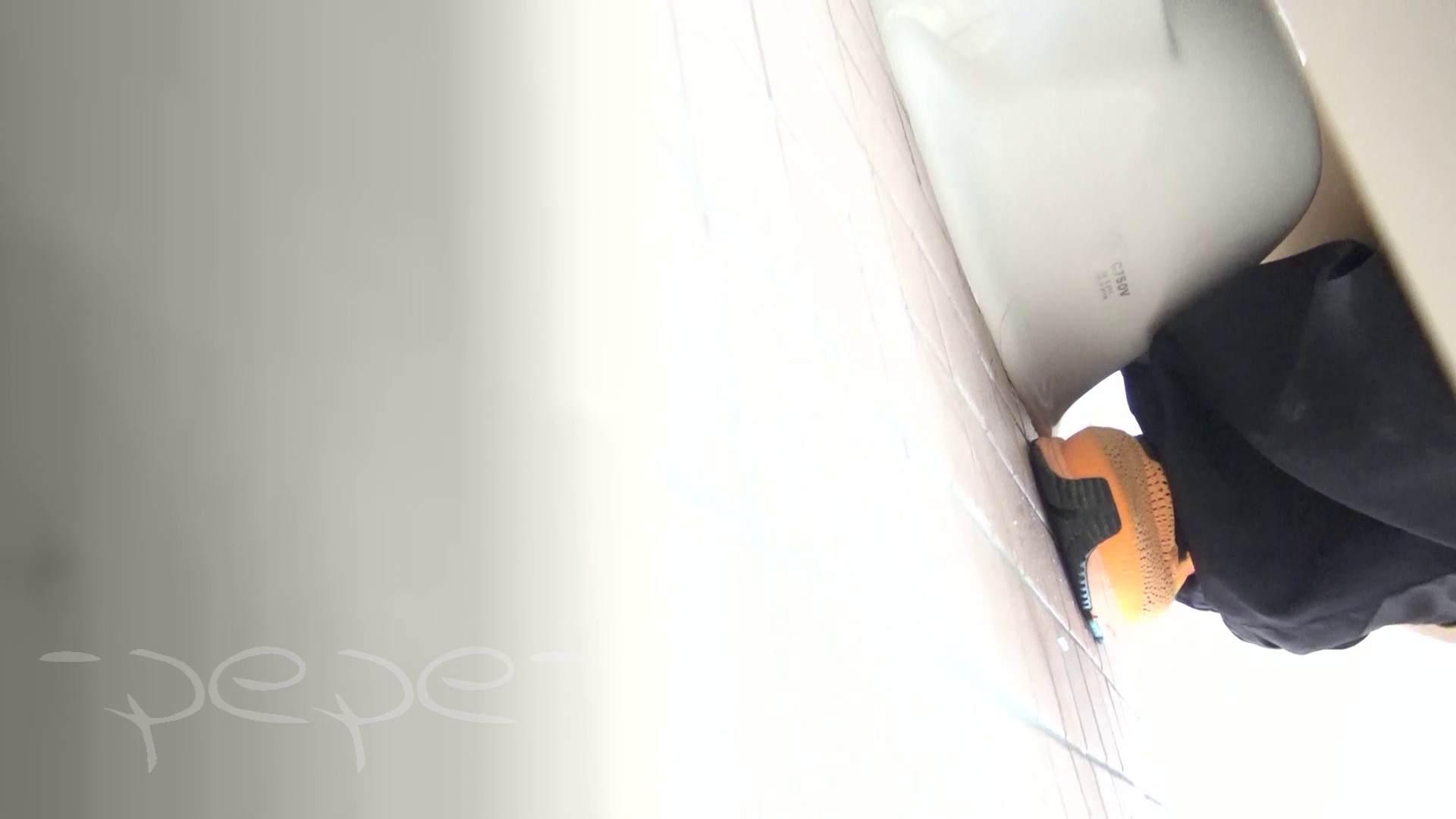 無修正おまんこ動画|▲期間限定D▲至高洗面所盗撮 27 体育館 局部好きの為の下方撮り特集!!05|怪盗ジョーカー