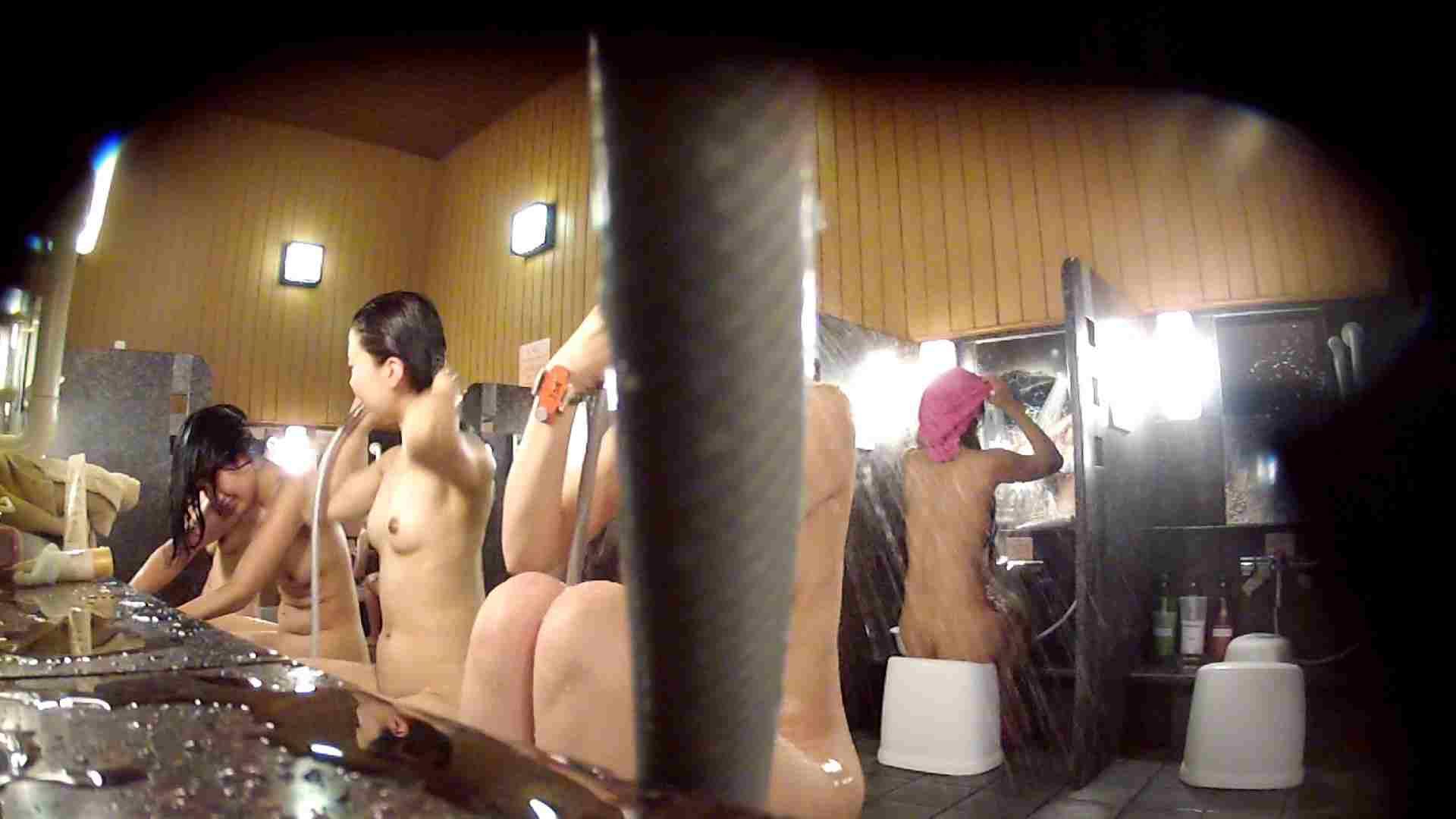 無修正おまんこ動画|ハイビジョン 洗い場!ちょっとケバいですが、美乳です!ホースが・・・|怪盗ジョーカー