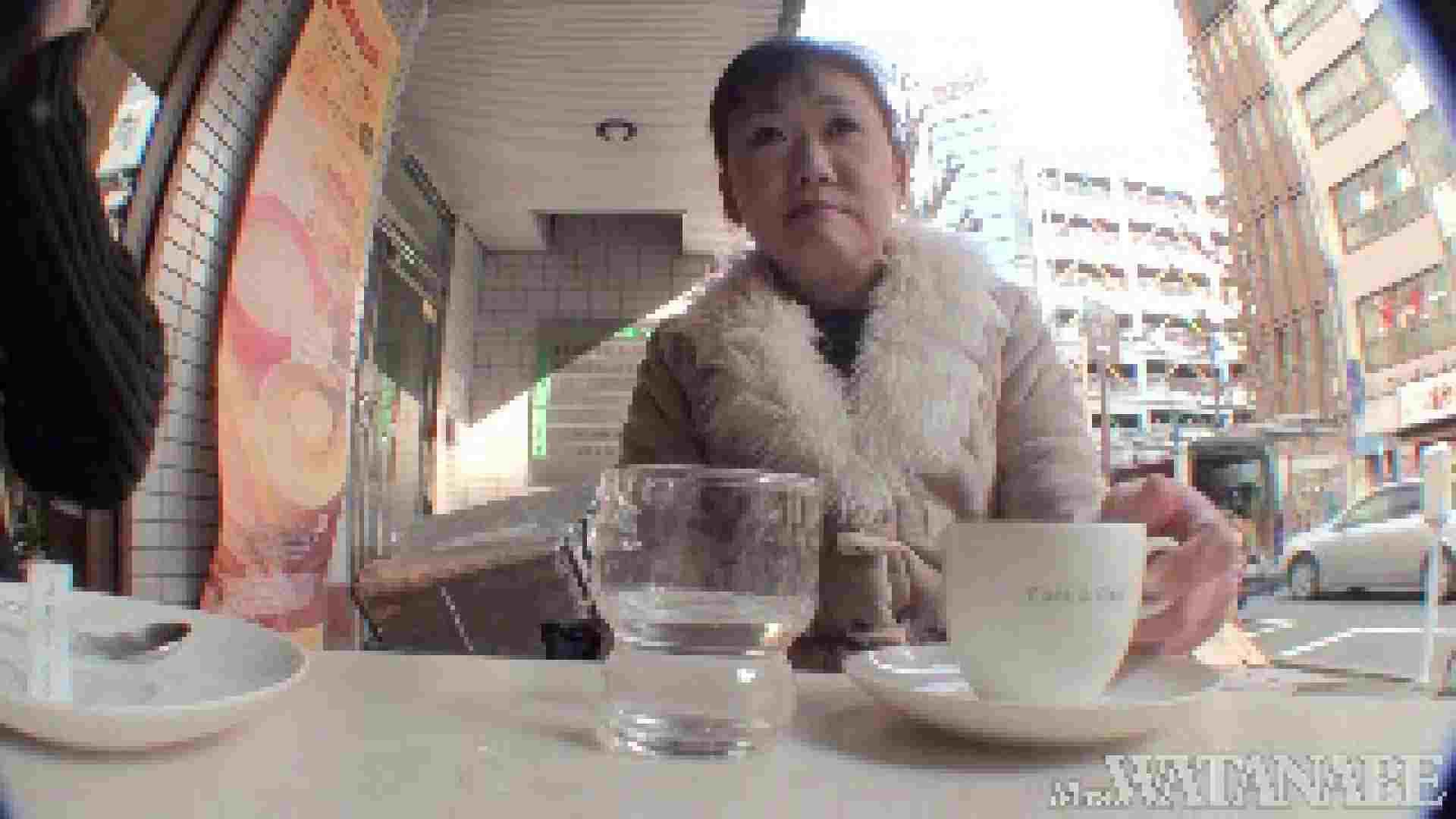 撮影スタッフを誘惑する痴熟女 かおり40歳 Vol.01 熟女  112連発 56