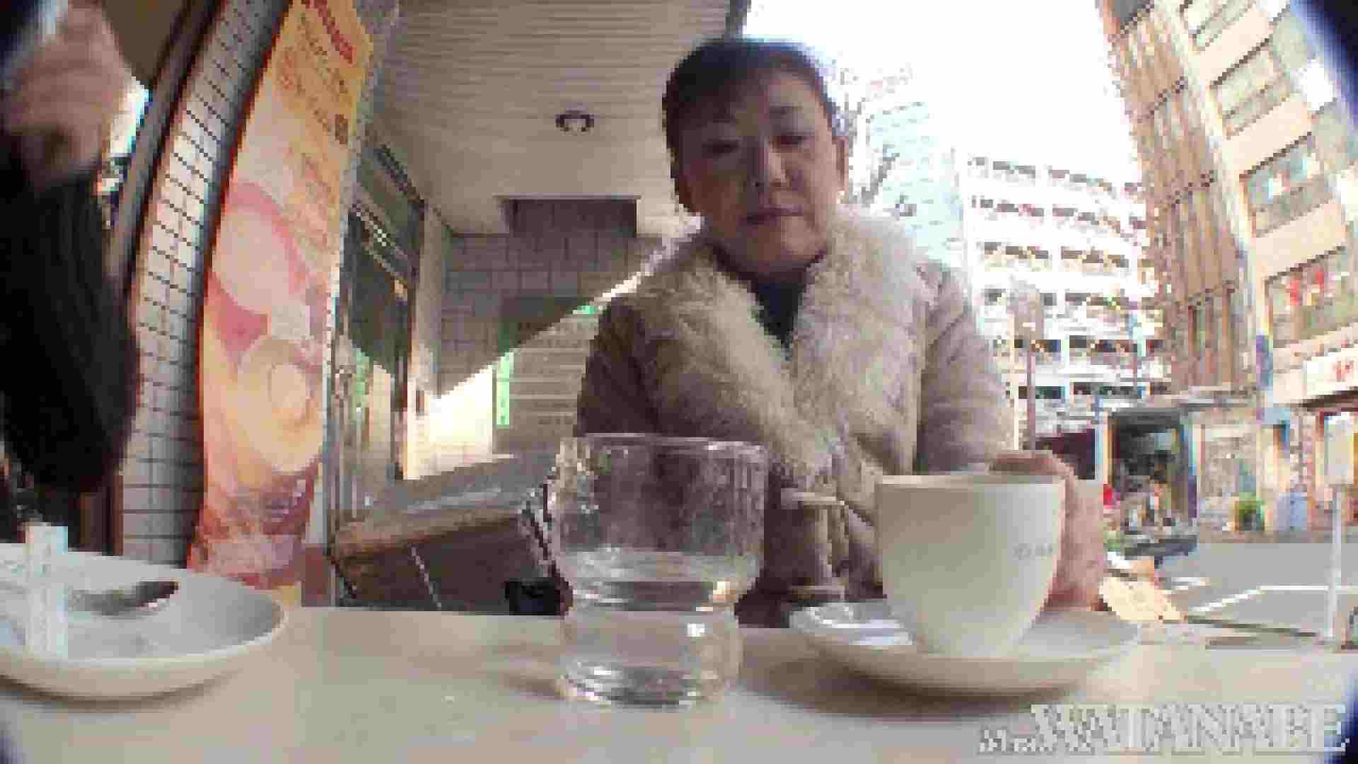 撮影スタッフを誘惑する痴熟女 かおり40歳 Vol.01 熟女  112連発 57