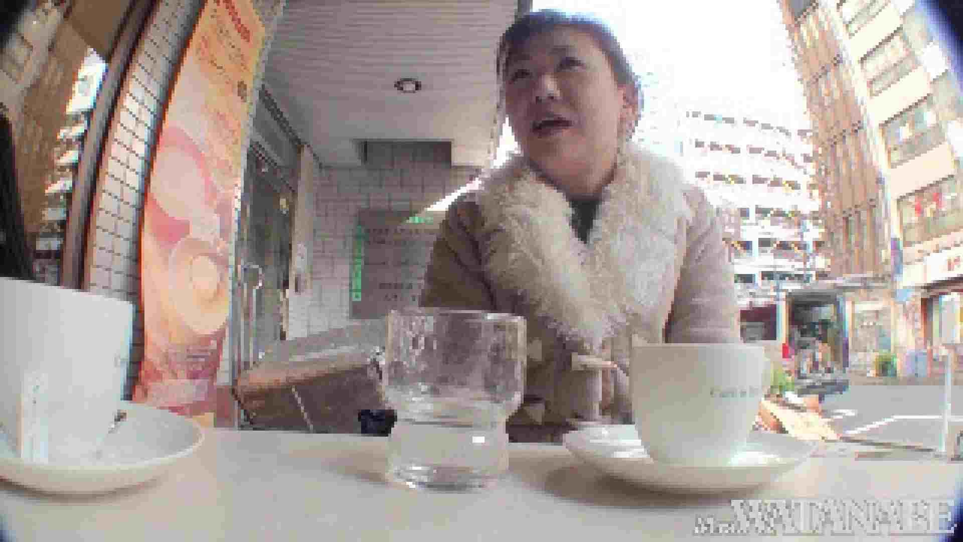 撮影スタッフを誘惑する痴熟女 かおり40歳 Vol.01