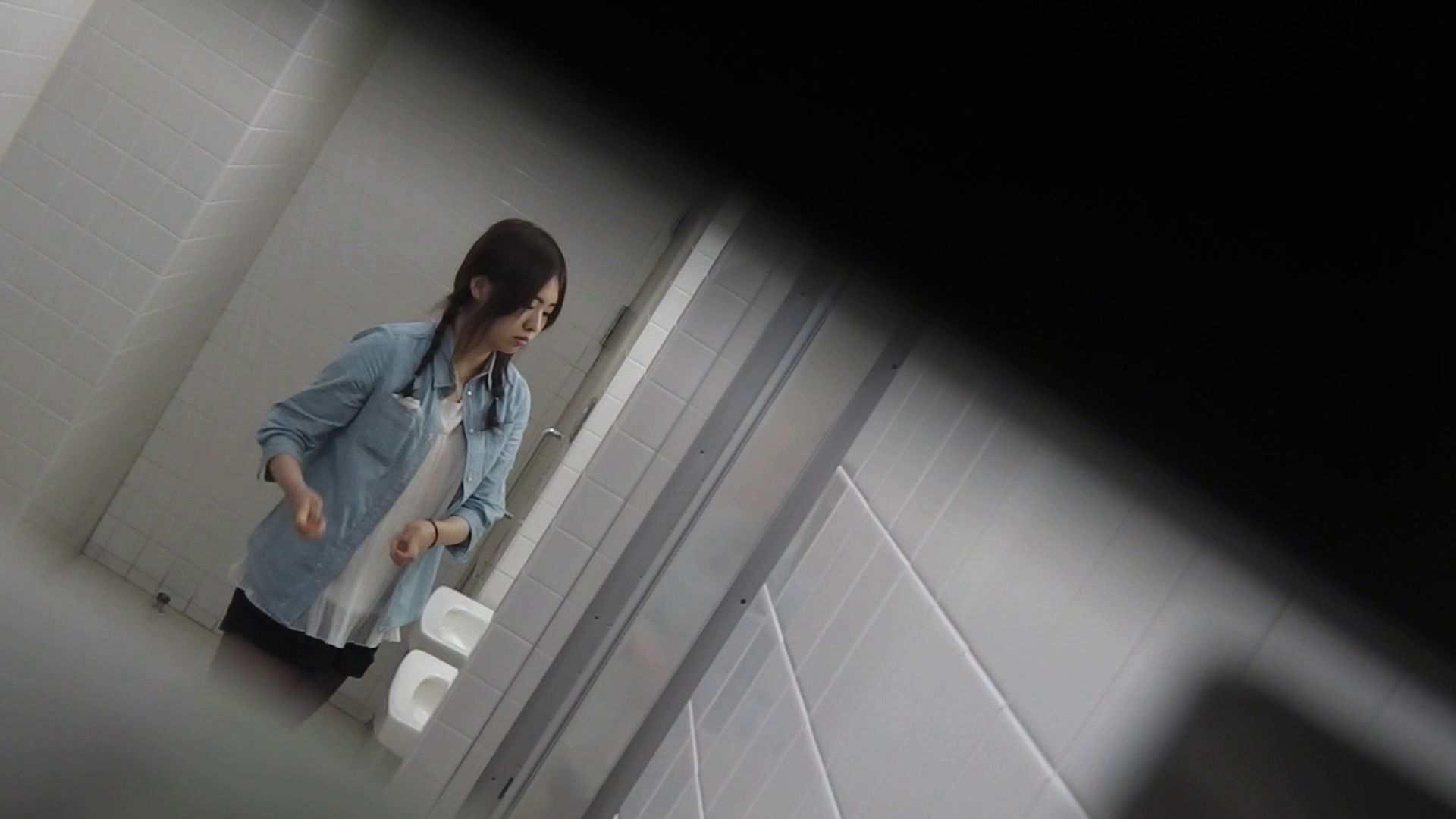 無修正おまんこ動画 vol.08 命がけ潜伏洗面所! 黒ストッキングが流行りです。 ピープフォックス(盗撮狐)