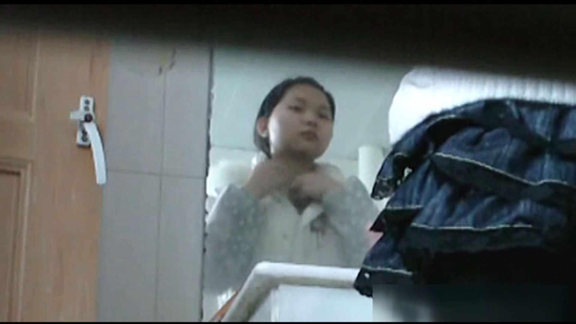 無修正おまんこ動画 洗面所で暗躍する撮師たちの潜入記Vol.25 ピープフォックス(盗撮狐)